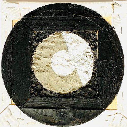 B-Side (white), 18x18cm, Acryl auf Beton/Leinwand, 2019